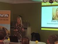 Fleur De Buck geeft een presentatie van haar inbreng in de gemeenteraad